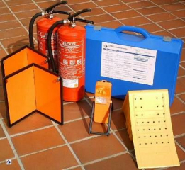 Fahrzeug-Set ab 7,5 to / klappbare Warntafeln